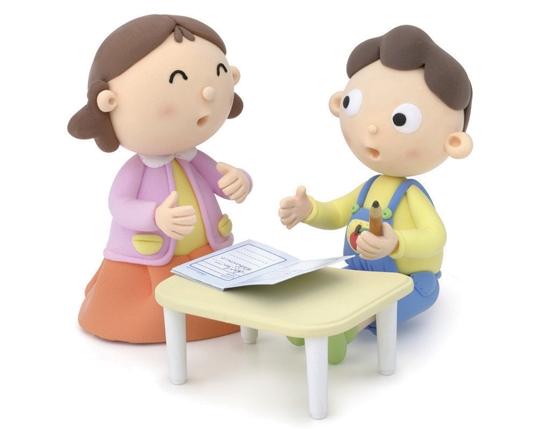 小学生需要老师或家长把好检查作业这一关,失去有效的检查,那么孩子的学习能力是难以提高的。家长要学会正确的检查方法,以培养孩子仔细认真、独立思考的能力。 具体方法: 1、 孩子读、二年级时,重点检查字迹是否写端正;做完作业时发现有不正确的地方,首先不要指出具体错误之处,而是说出大体范围,如做得不错,但这个题有些不对的地方,你再看看。或者在有问题的地方画上个小圆圈,让孩子自已找出不正确的地方,以改之。若孩子找出来了,就称赞孩子聪明、能干。 三年级以后,重点检查孩子做题的思路,算式的列法是否正确,而计算的