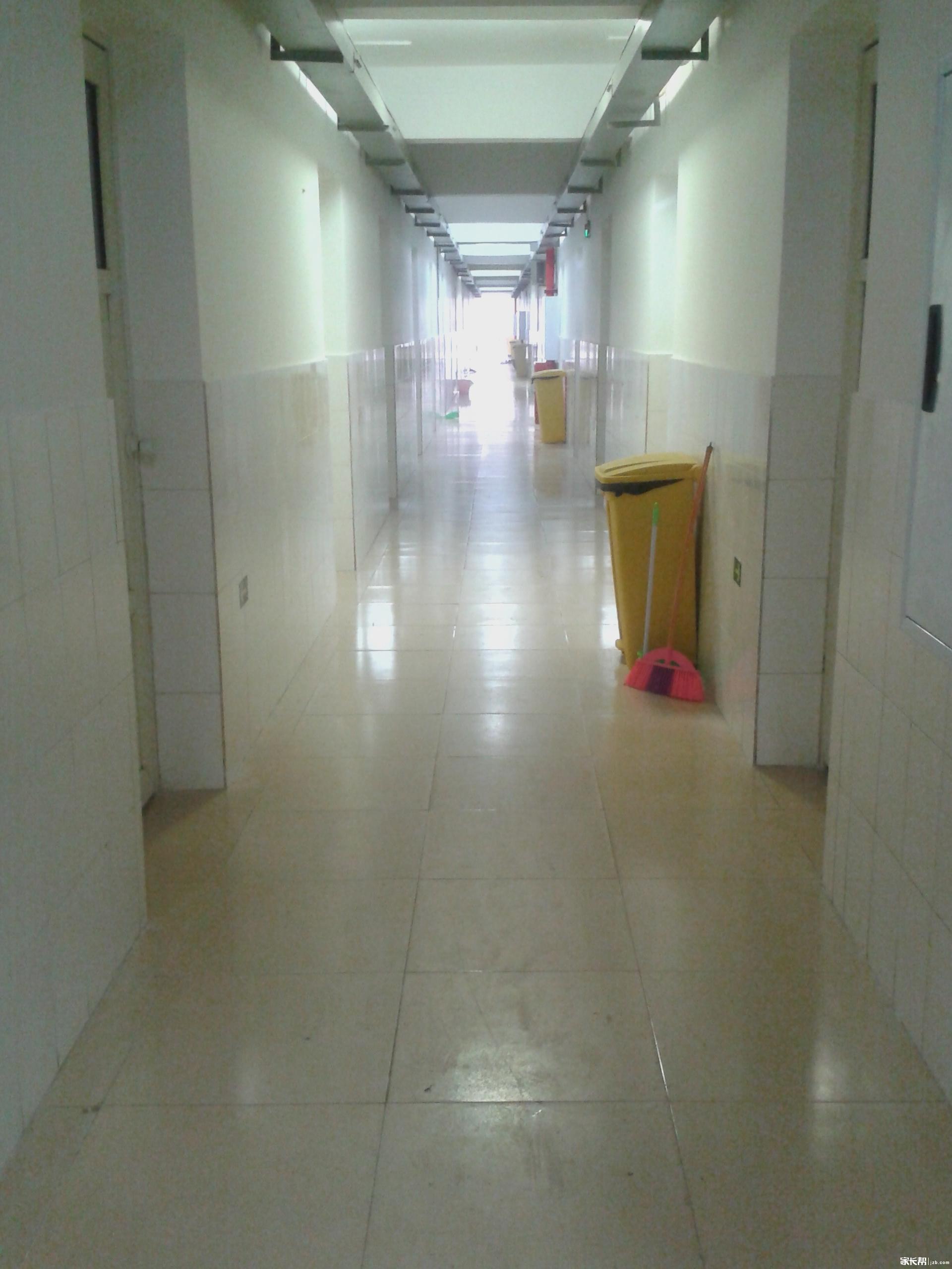 女生寝室的走廊.