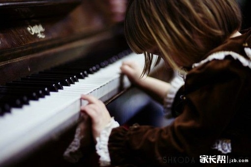 女孩子学钢琴还是古筝