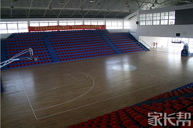 室内篮球馆.jpg