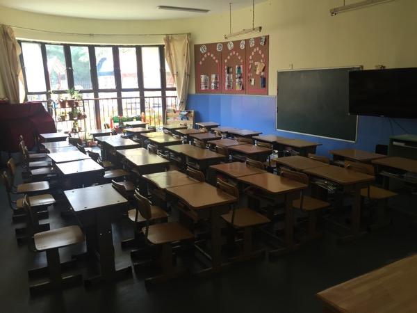 幼儿园休息室墙面摇篮布置