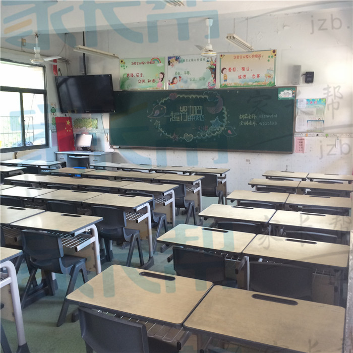 一六班教室.JPG