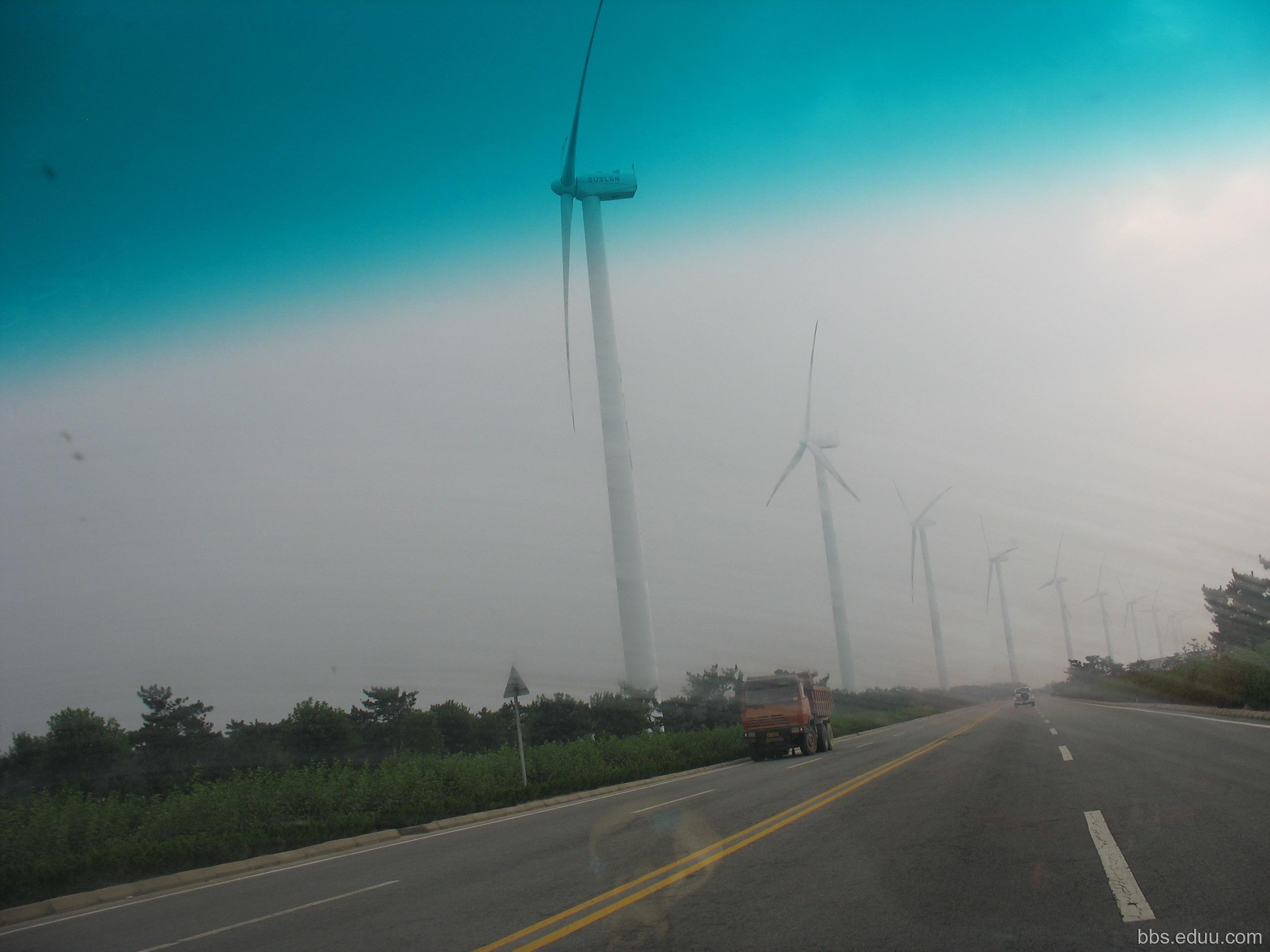 从海驴岛回威海沿途的风车